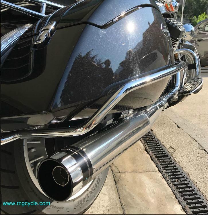 Mistral Exclusive slip-on mufflers California 1400, polished